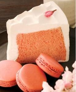 桜シフォンケーキとマカロン